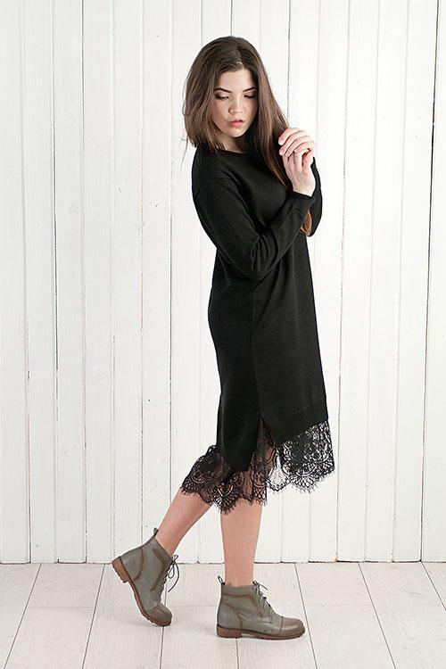 Черное платье внизу кружева