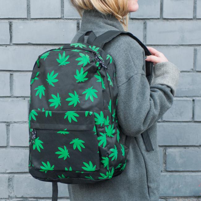 Рюкзак с листьями конопли молекулы конопли